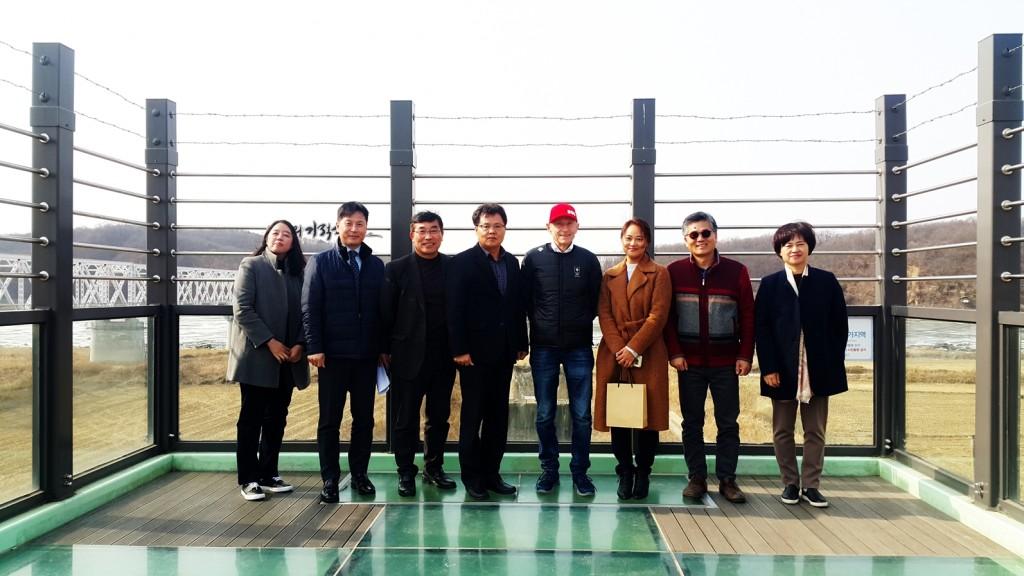 장 자크 요스 협회장 단체사진(독개다리 스카이워크 내일의기적소리)